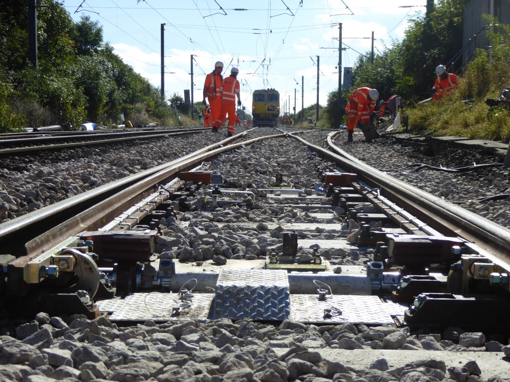 SB Rail's UNIMAT 09-4x4/4S Dynamic working at Belford